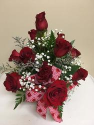 Short But Sweet Roses from Chillicothe Floral, local florist in Chillicothe, OH